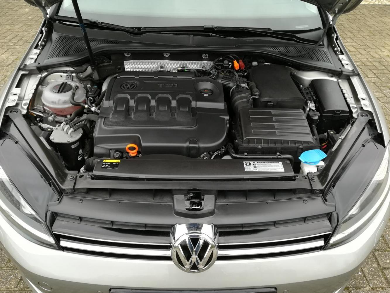 Volkswagen Golf 2.0 TDI Highline DSG