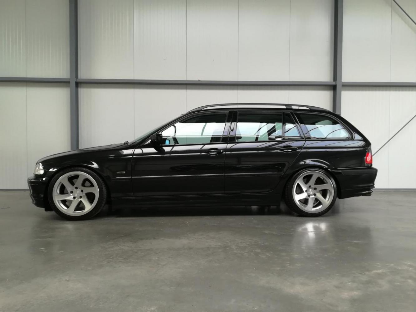 BMW 330i Touring Executive