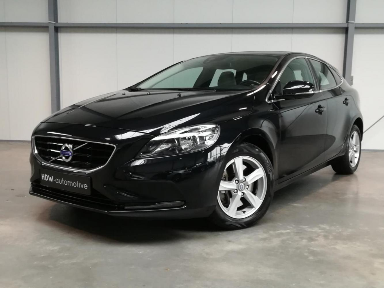 Volvo V40 2.0 D2 Momentum Business
